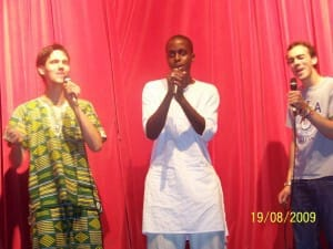 3-singing-roses-yoann-from-france-singing-gospel-with-2-talented-friends
