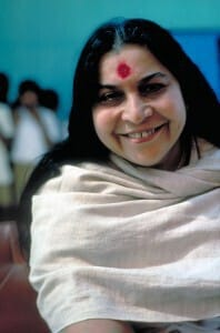 mataji_white_shawl-big