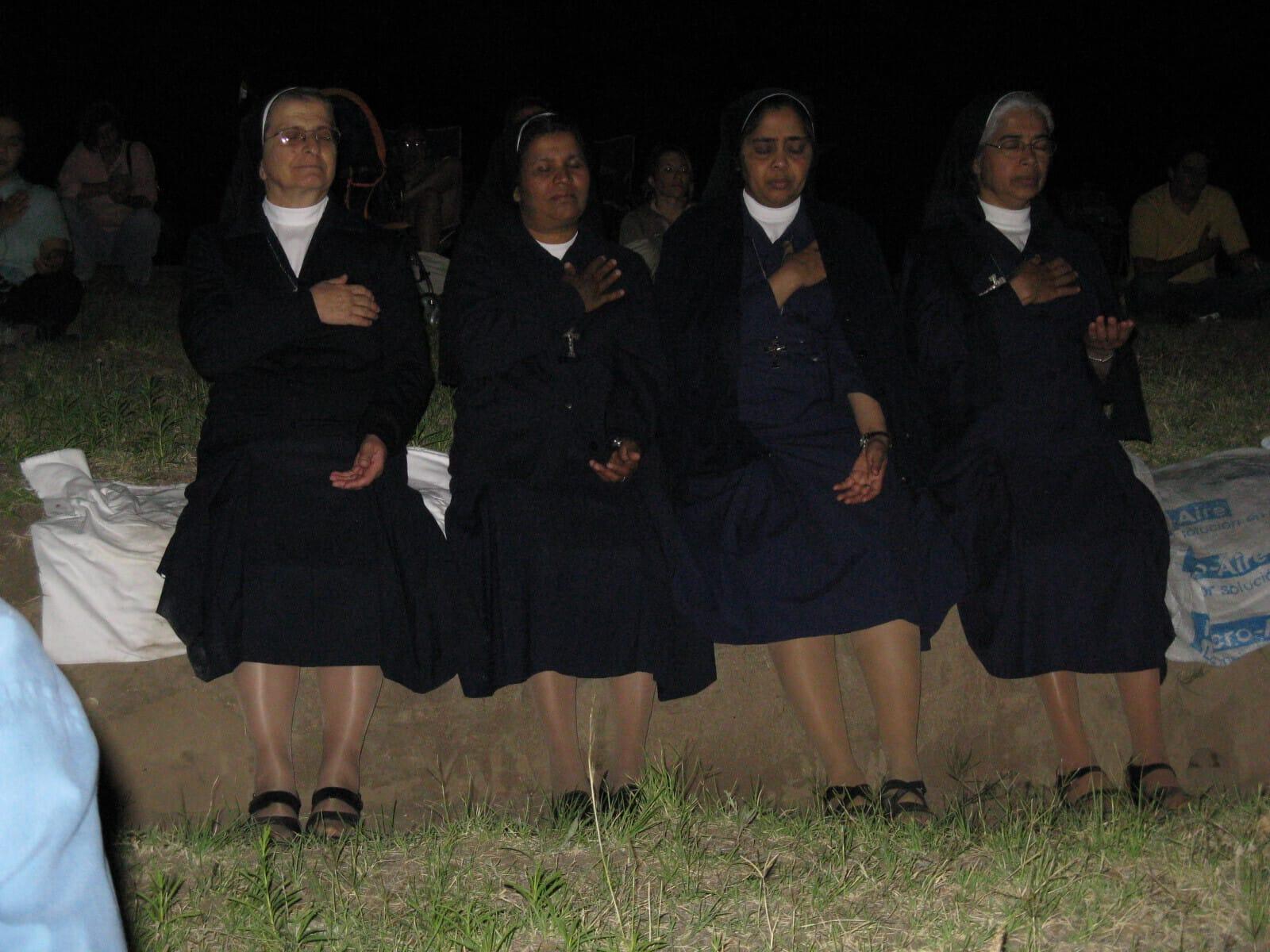 nuns-gettting-self-realization at a sahaja yoga meditation public program in Brazil