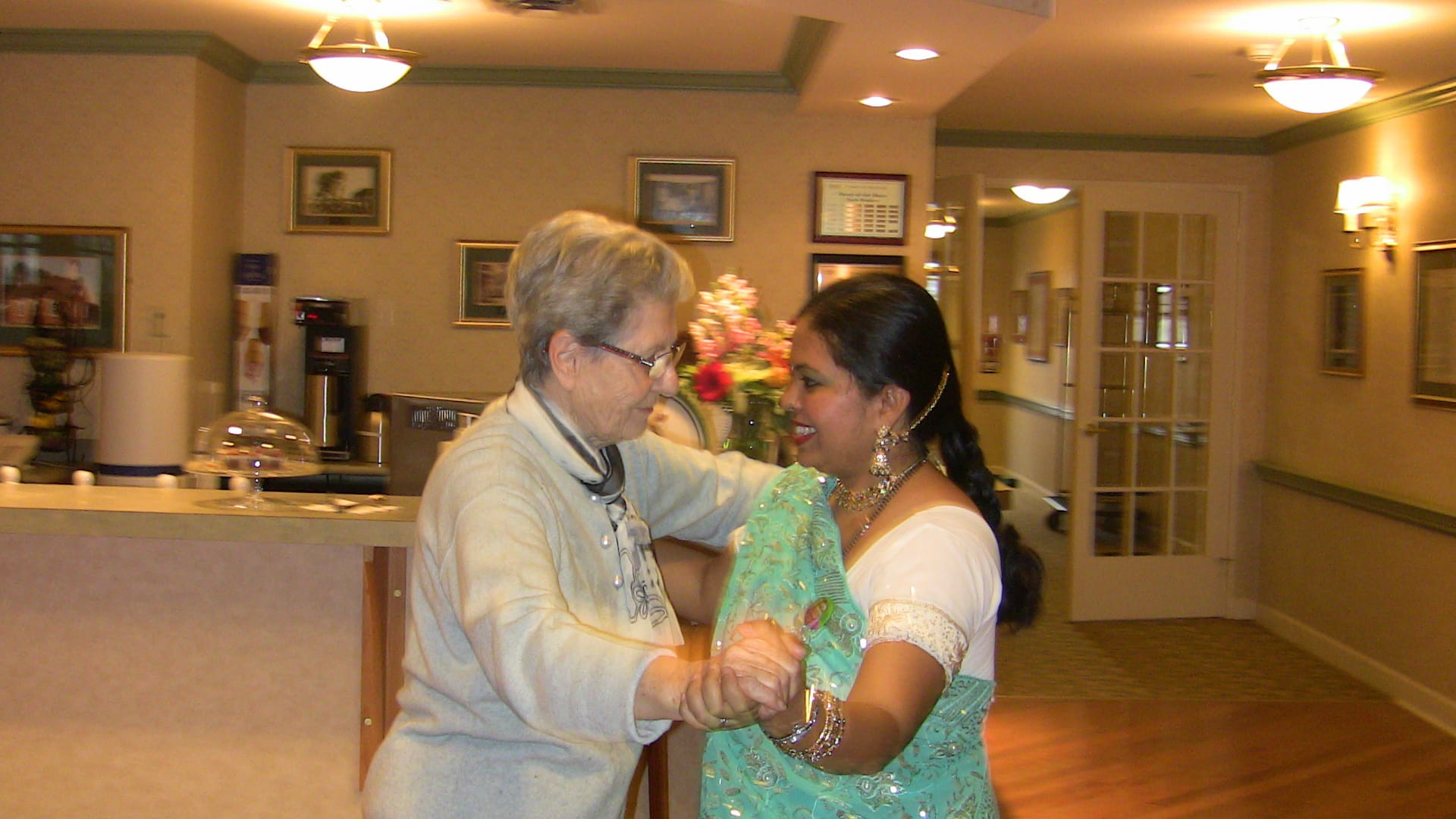 Day 10 – Canadian Seniors @ Sunrise Centre enjoying Sahaja Yoga Meditation in Mississauga – Feedback from Anandita's Visit