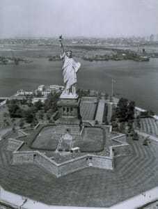 Read more about the article Who Really is The Statue of Liberty ?! Interesting Sahaj Facts & Connections to Chakras, France's Goddess, Abraham Lincoln and 2 Poems on Her 125th Anniversary!