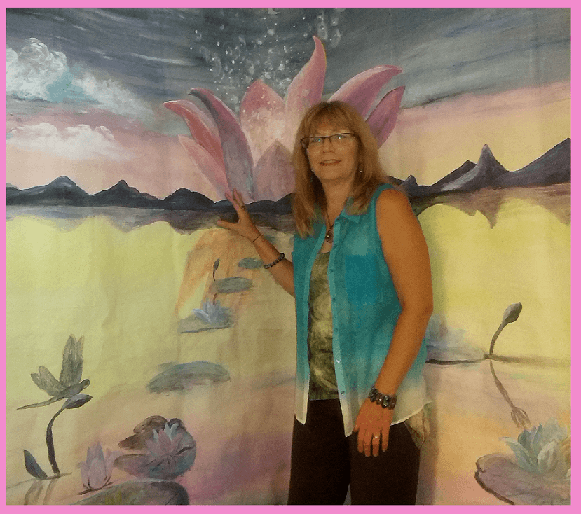 Brenda-s World - She and her paintings are bringing pure positive vibrations wherever they are