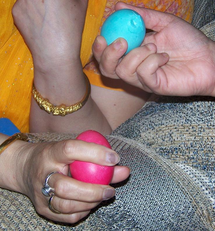 easter-knocking-eggs