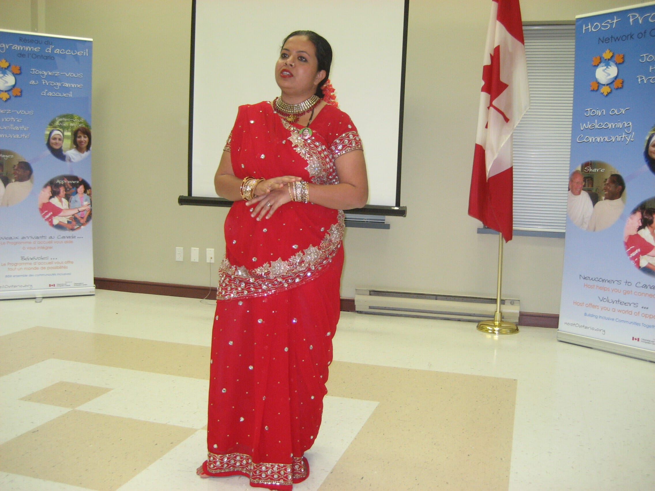 Anandita introducing Sahaja Yoga Meditation and her Art to representatives from many countries of the World, arrived to Canada/ Halton as immigranta - in Oakville, Dec 2