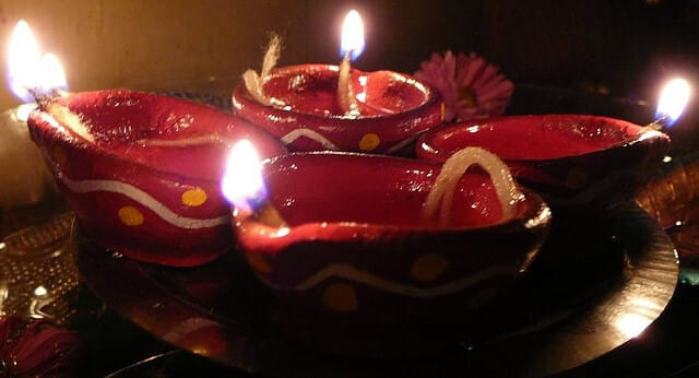 Diwali Clay Lamps http://www.free-meditation.ca/archives/12173
