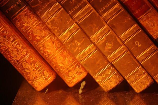 Books -Axinia