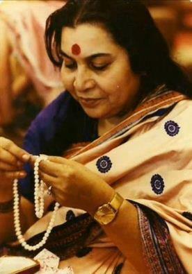 Shri Mataji with pearls