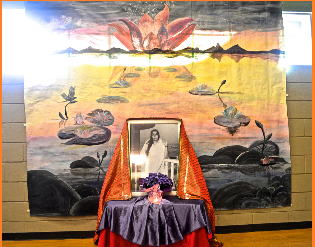 Hommage to Shri Mataji - founder of Sahaja Yoga Meditation (backdrop painting realized by artist sahaja yogini Brenda - Burlington