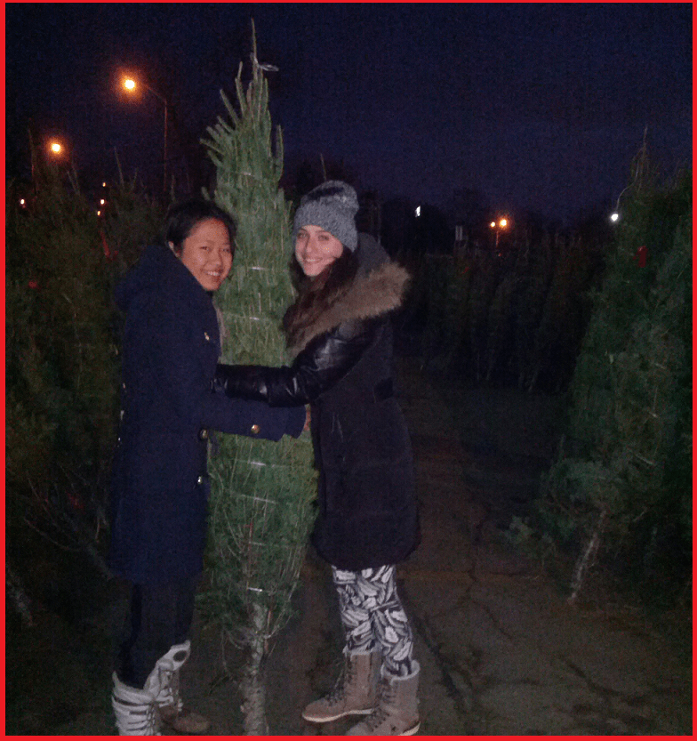 Ana Bianca and Shulin with the Beloved Christmas Tree they chose 2014