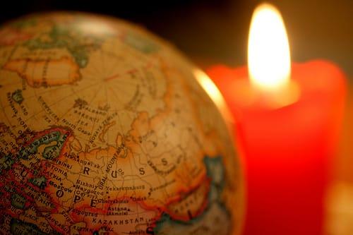 Axinia candle world
