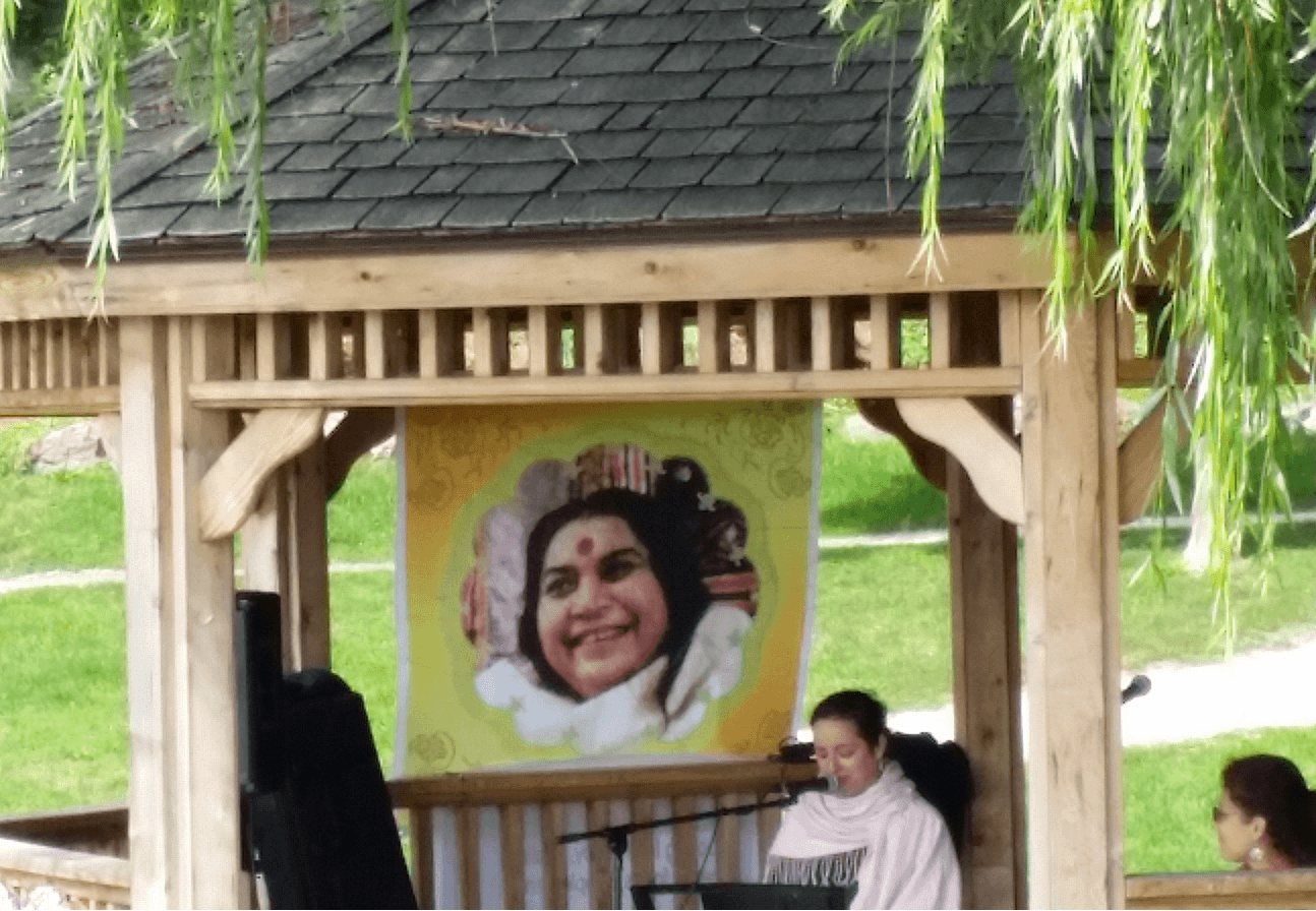 Shri Mataji Nirmala Devi Day in Burlington - Canada Culture Days Saturday Sept 26 2015 in Spence Smith Park - Burlington Waterfront - by the Ontario Lake