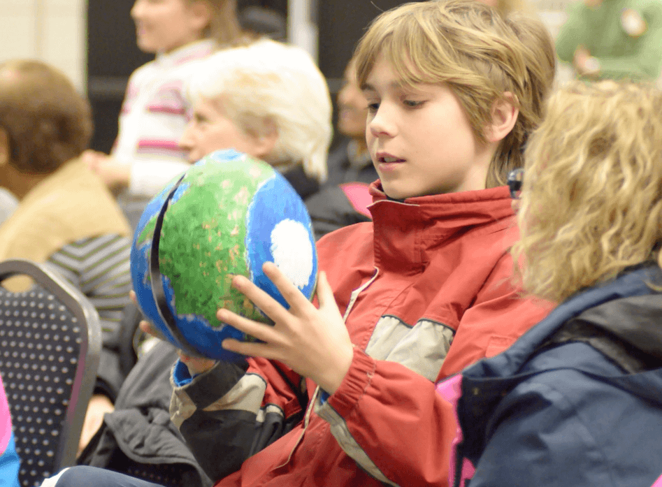 Child - Globe 1